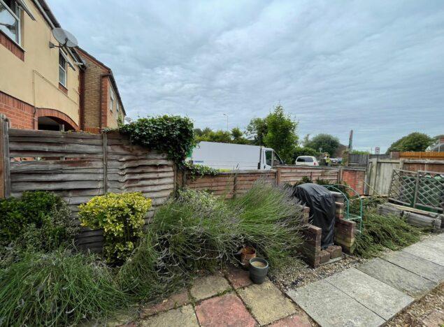 garden fencing services cardiff